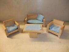 Puppenstube Kaufmannsladen Möbel Wohnstube alte Couchgarnitur Sofa Sessel Tisch