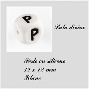 Blanc Lot de 10 perles Lettre P Perle en bois alphabétique de 10 x 10 mm