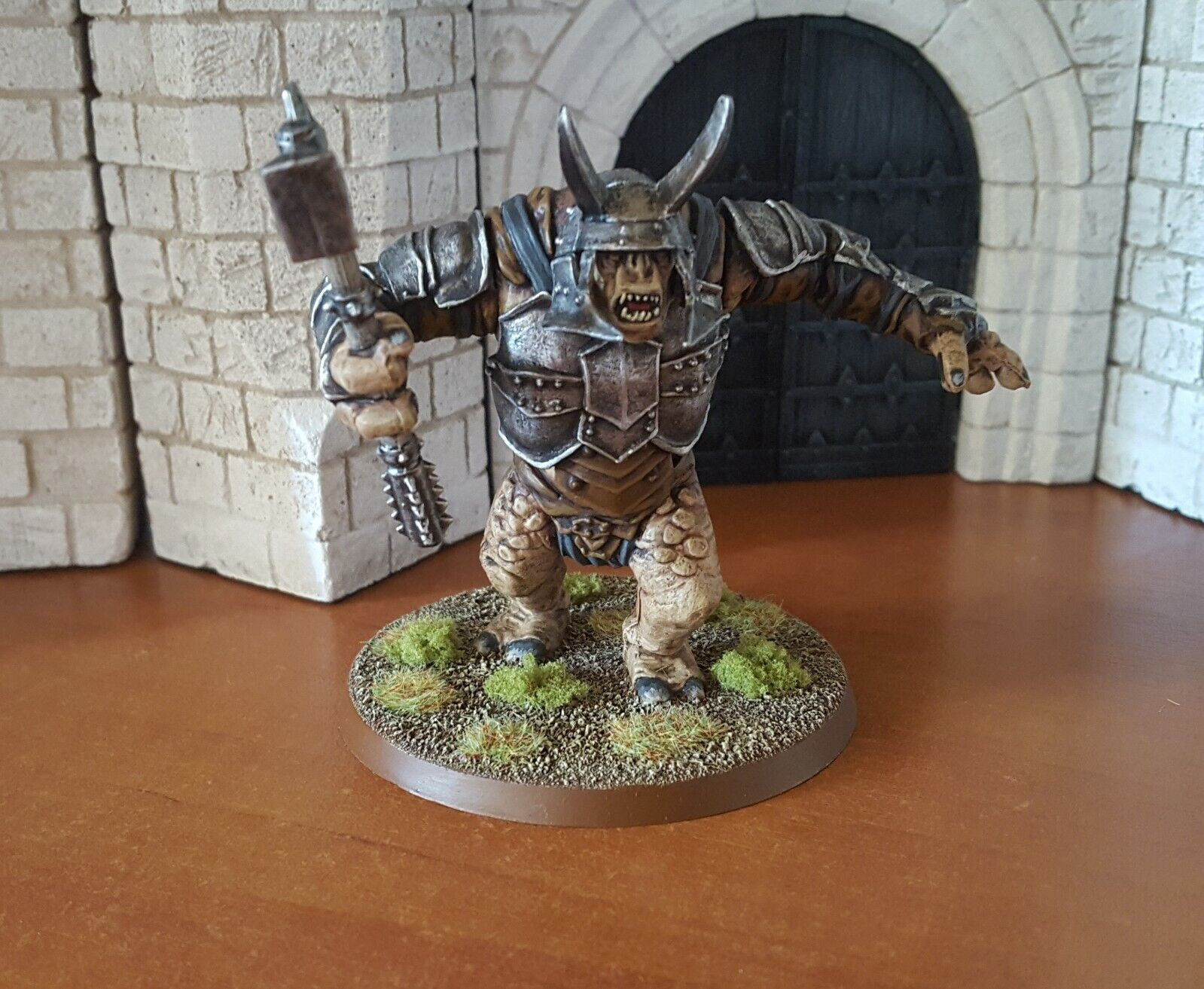 Lord of the rings games workshop Mordor Troll middle pro painted