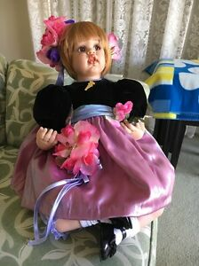 Fayzah-Spanos-Doll-034-mommy-039-s-Little-Bouquet-034-New