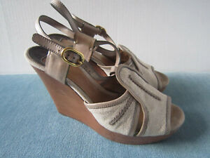 Chloe-Wedge-Sandals-Size-US-7