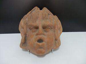 Grand-masque-decoratif-en-terre-cuite