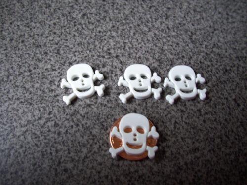 Small Skull n Bones 4 Novelty Buttons