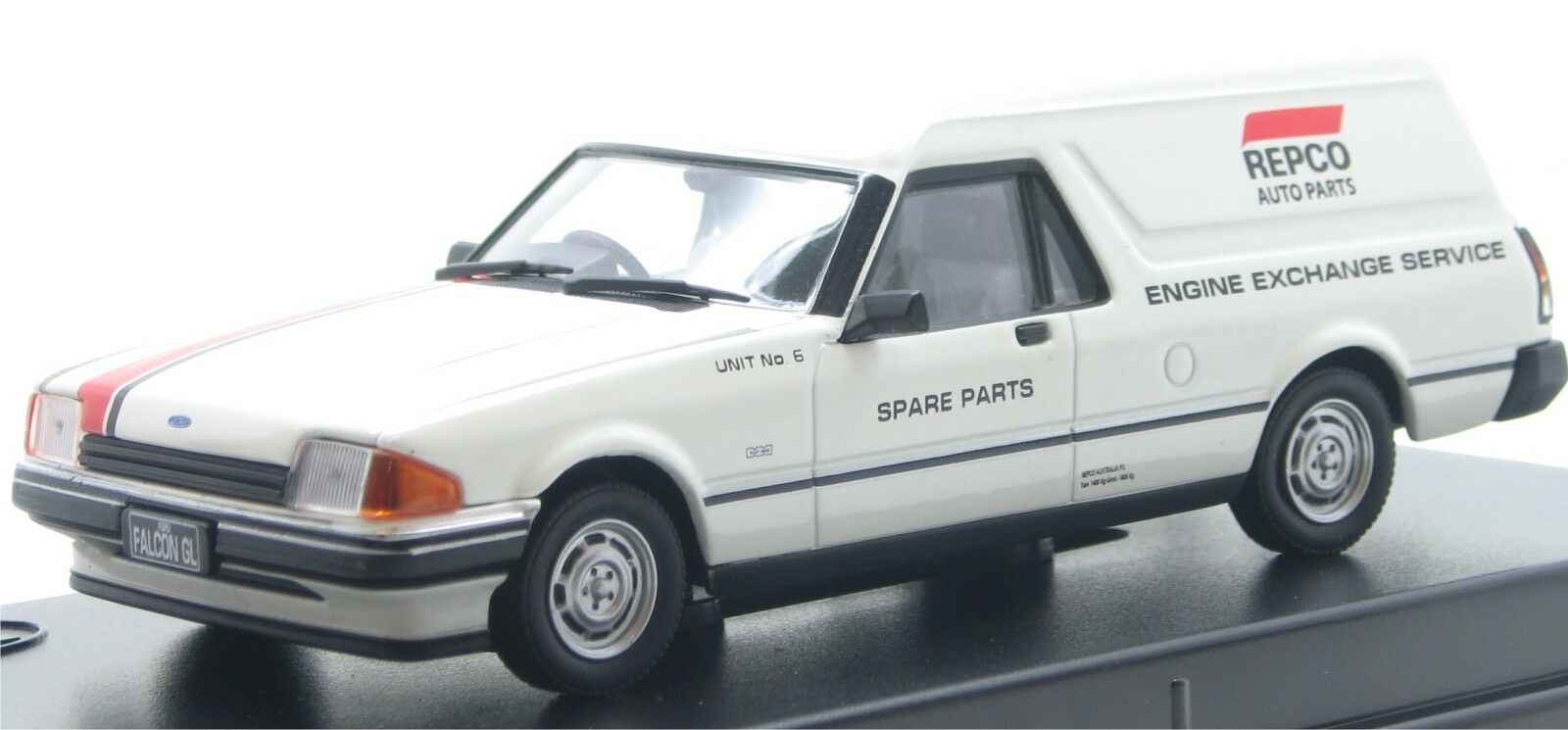 Trax 1 43  Ford XE Falcon Panel Van Repco TR72