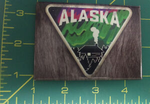 Alaska-Magnet-Cabin-Scene-with-Northern-Lights-Fake-Wood-back-Made-in-USA