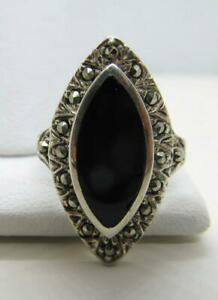 Vintage-Sterling-Silver-amp-Black-Onyx-Marquise-and-Marcasite-Ring-Size-5-5