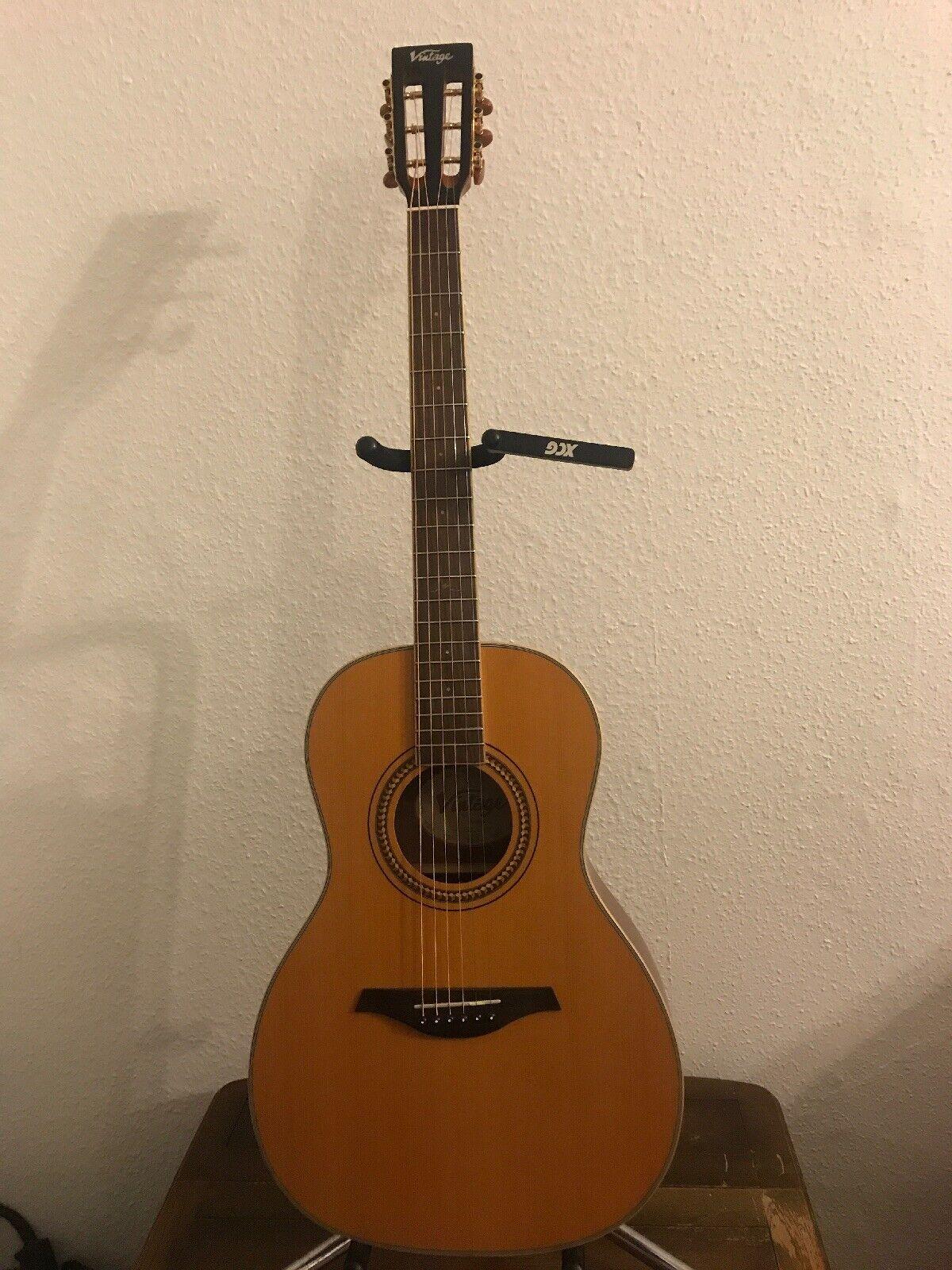 Parlour Guitar. Vintage. V880N Solid Top