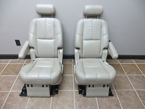 07 08 09 Gmc Yukon Denali Tahoe 2nd Row Captain Seats