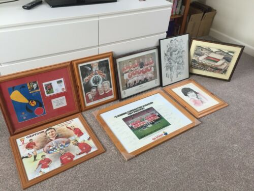 RARE COLLECTION FRAMED SIGNED MANCHESTER UNITED