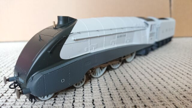 Hornby R3308 The Silver Jubilees A4 Class