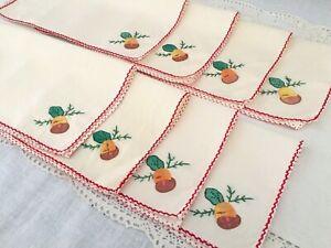 Vintage-Handmade-Ecru-Autumn-Napkins-w-Acorn-appliques-amp-Red-Trim-Set-of-8