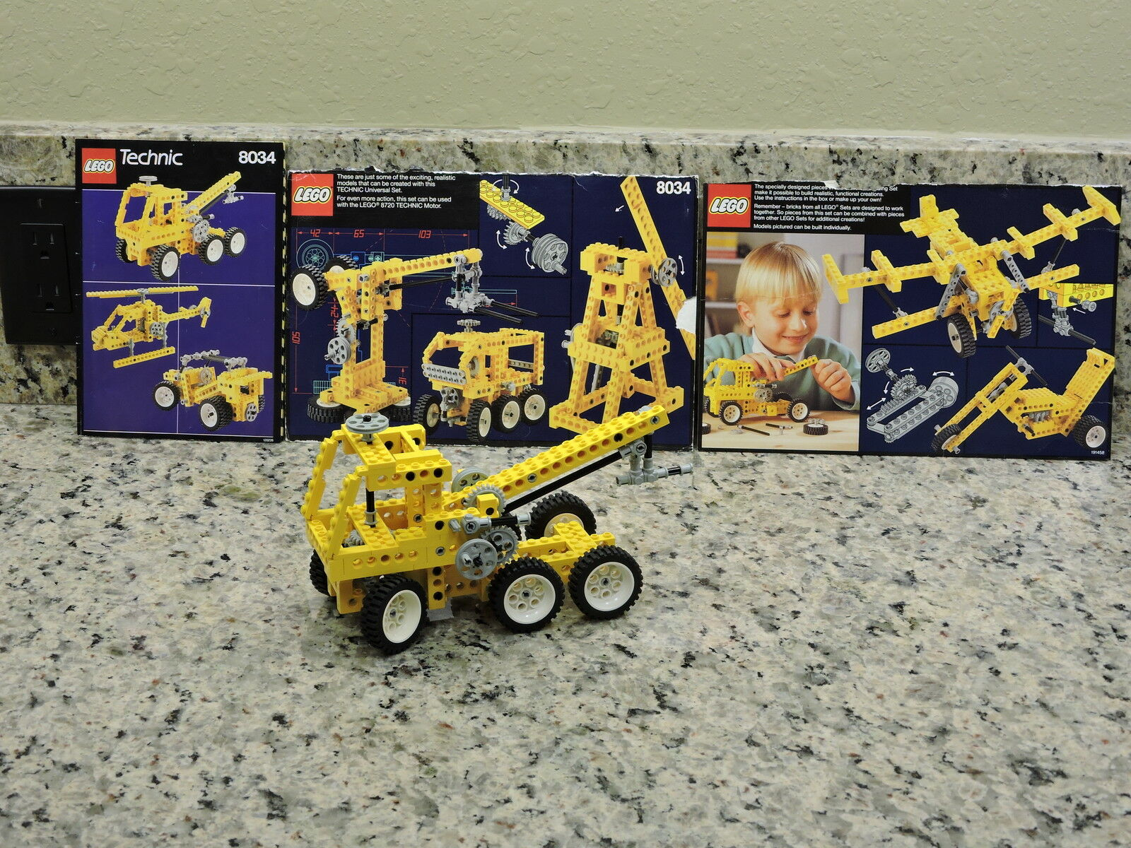 Lego Technic Universal Set  8034  Complete with Instructions-Rare