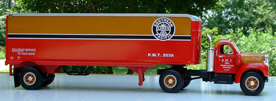 HUGE 14  LONG SOUTHERN PACIFIC RAILROAD TRACTOR TRAILER BIG RIG - FIRST GEAR