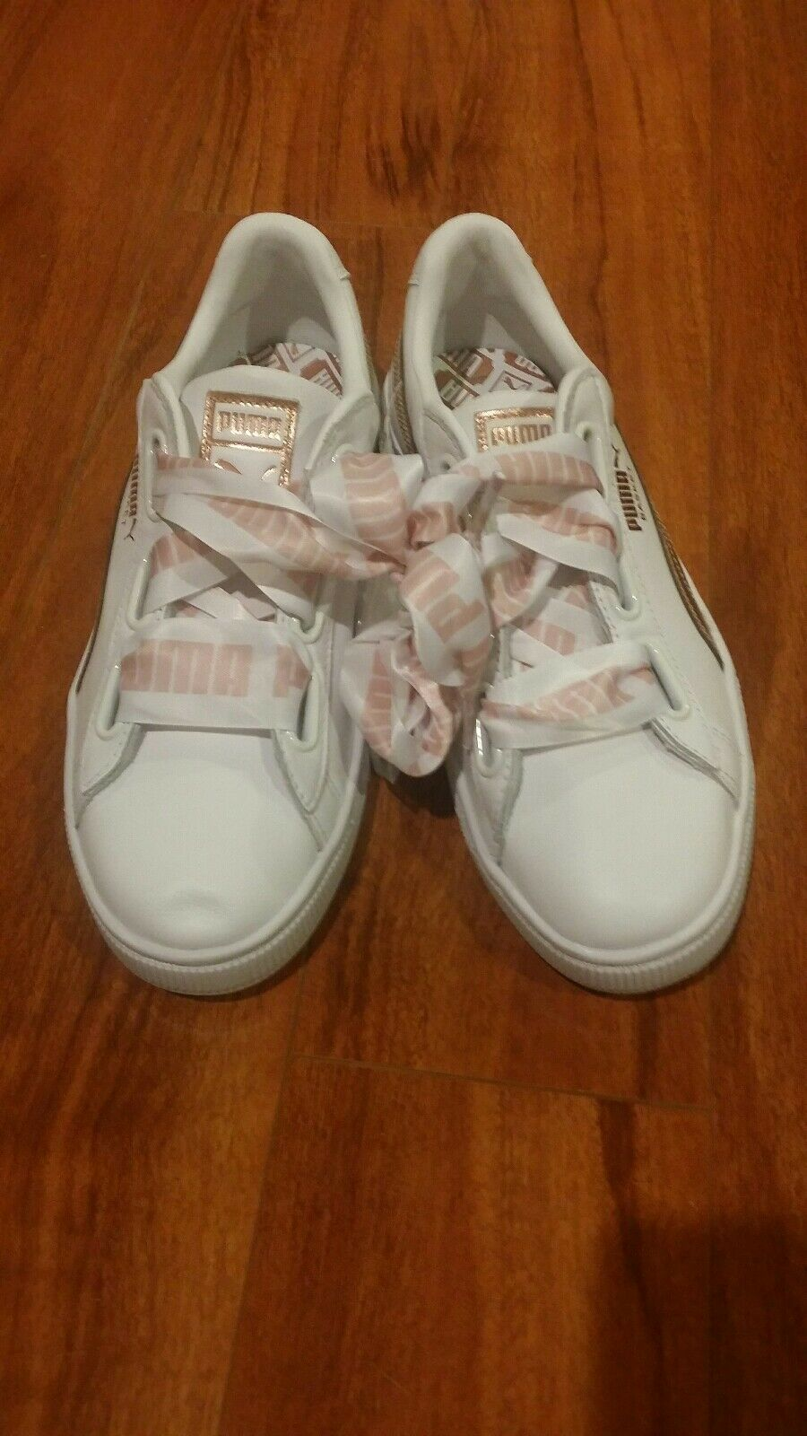 Brand New Puma Basket heart style femmes Taille us 7 uk 6.5 chaussures nwot
