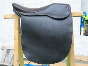 SADDLE SEAT SADDLE MILLENIA BXE JOSEPH STERLING FLAT SEAT 20&quot; - <span itemprop='availableAtOrFrom'>Auderath, Deutschland</span> - SADDLE SEAT SADDLE MILLENIA BXE JOSEPH STERLING FLAT SEAT 20&quot; - Auderath, Deutschland