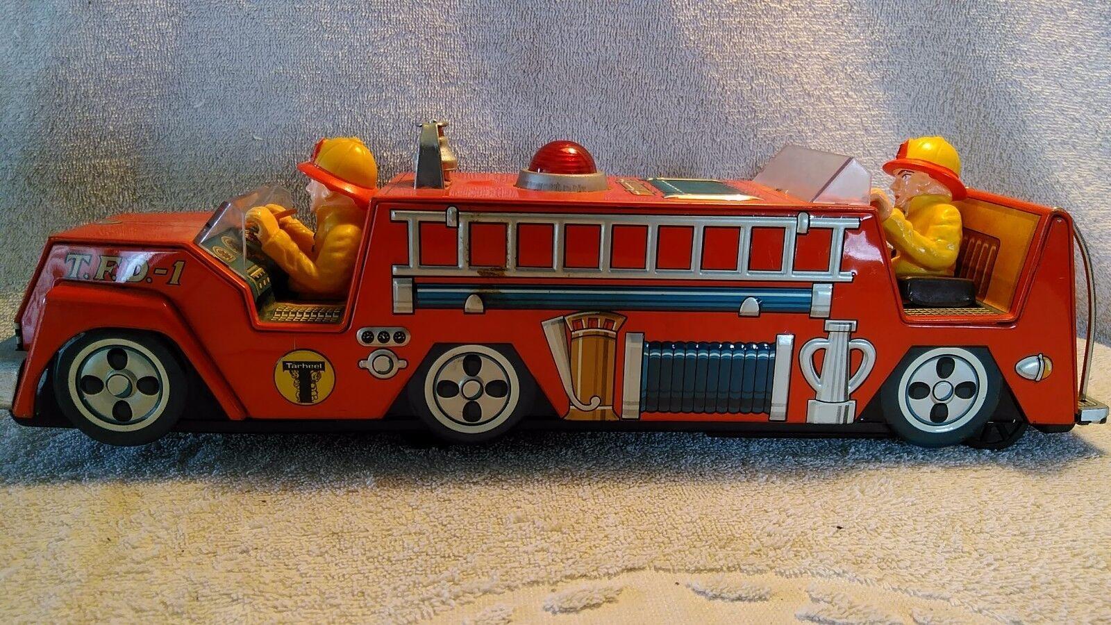 Vintage Battery Operated Tarheel n.1 Fire Department Tin truck Worre Japan