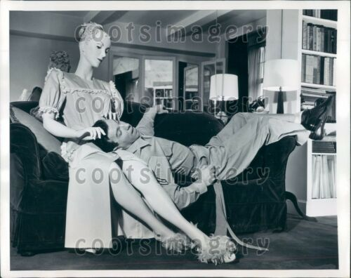 1946 Post WWII US Dream Girl Listens as Soldier Relaxes Press Photo