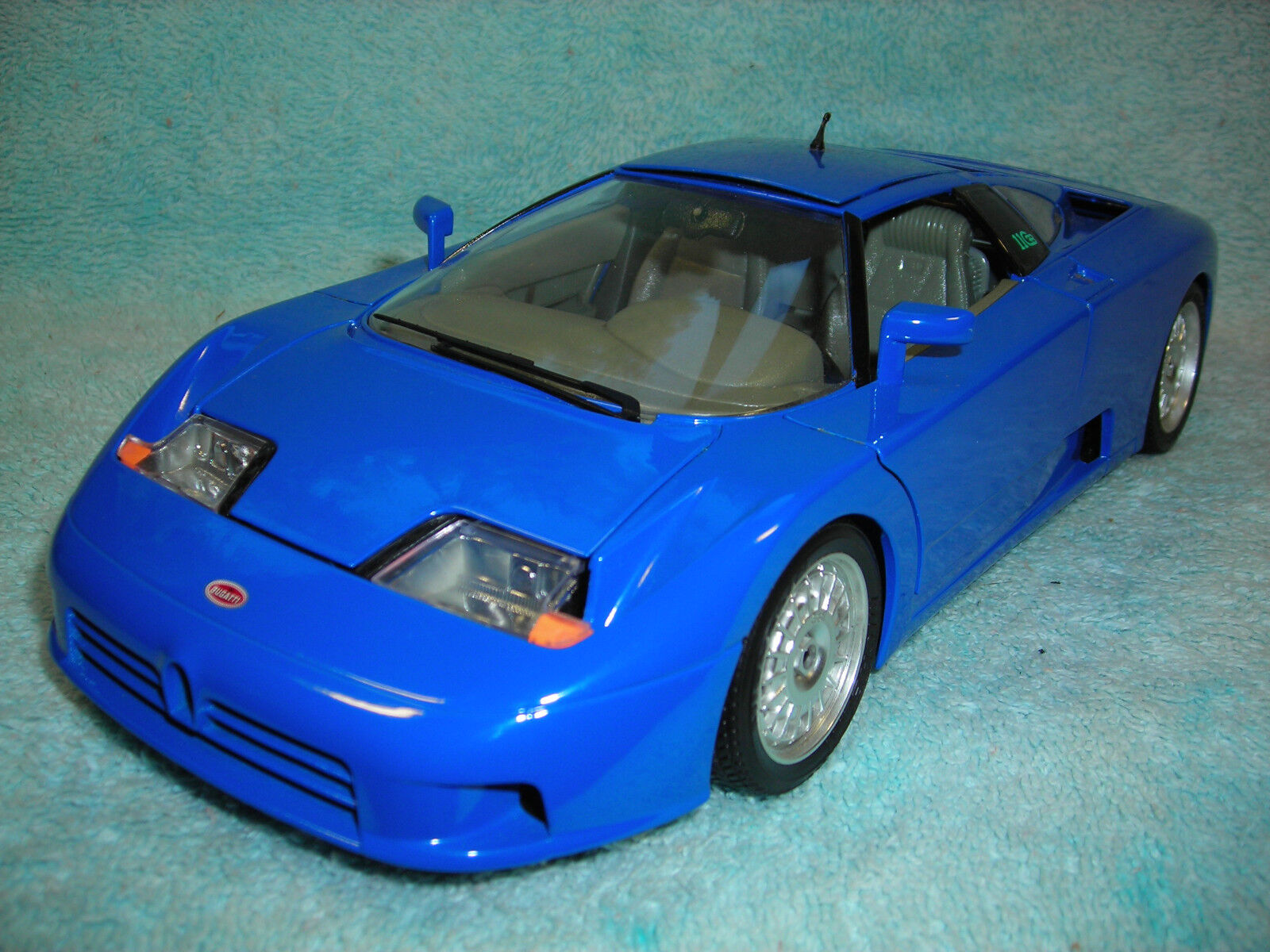 1 18 1991 BUGATTI EB110 IN blueE BY BBURAGO.