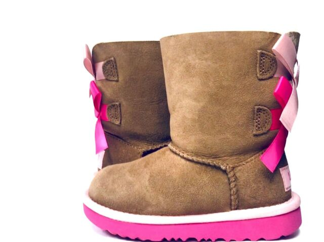 b5831d1c838 UGG Girls Bailey Bow II Boot Shoes US 9 Toddler Chestnut / Pink Azalea