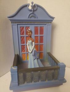 Extremely RARE Disney Store Princess and the Frog Bookend Tiana only
