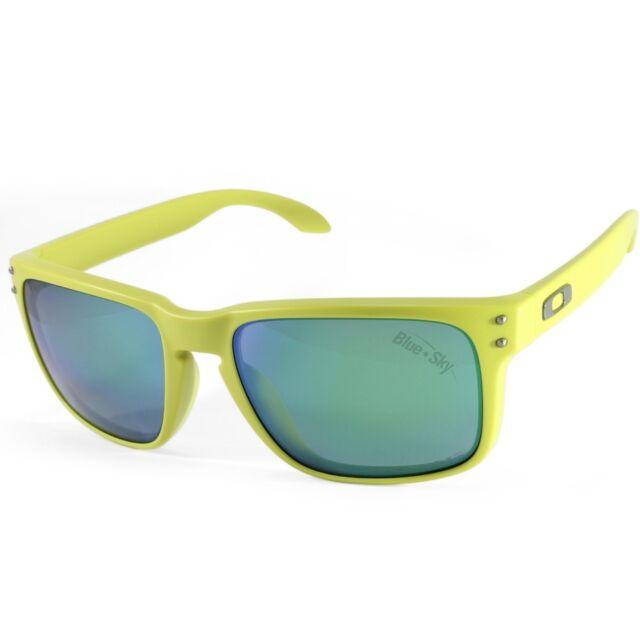 a055b9786e3 Oakley Holbrook OO 9102-72 Matte Fern Jade Iridium Polarised Unisex  Sunglasses