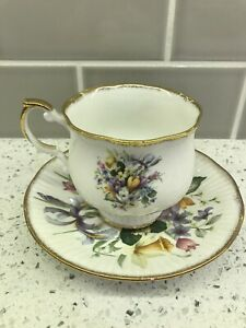 Royal Aradalt tea cup and saucer wild flowers teacup England Vintage Bone China