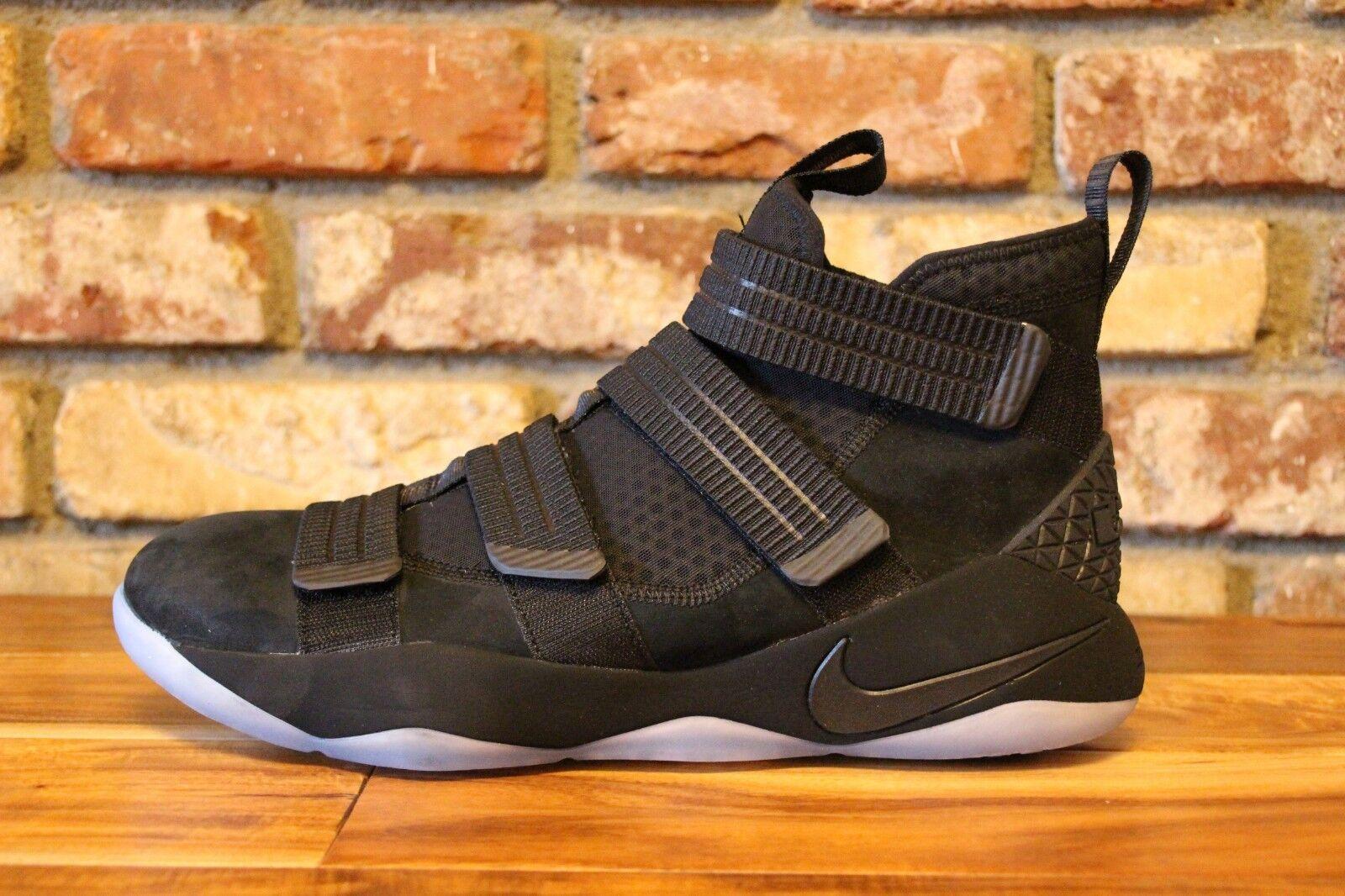 6e206cb37bb75e Nike Lebron Soldier 11 XI Predotype DS Men s Size 10.5