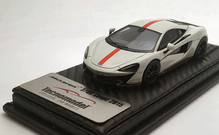 McLaren 570 S Avus blanc With rouge Stripe and rouge insert 2015 1 43 MODEL