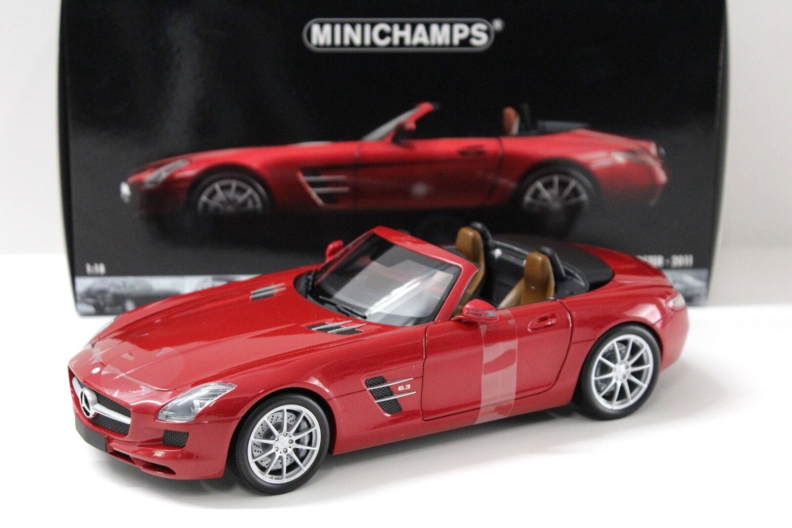 1 18 Minichamps Mercedes SLS AMG Roadster Red 2011 NEW in Premium-modelcars