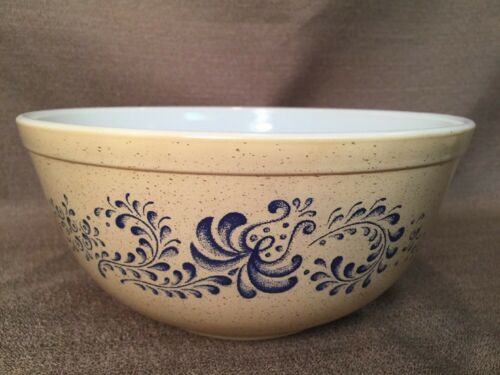 Excellent PYREX Homesd Beige Tan Blue Speckled 2.5Qt Mixing Nesting Bowl #403