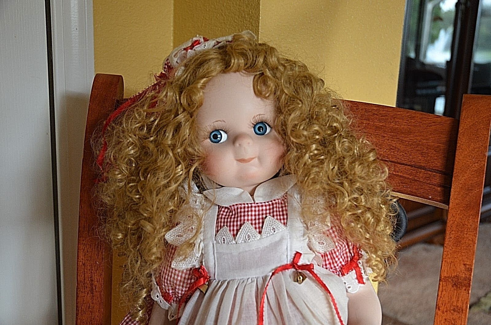 24  Country & Lace by Colleen Applewhite porcelain Doll 1410 of 2000