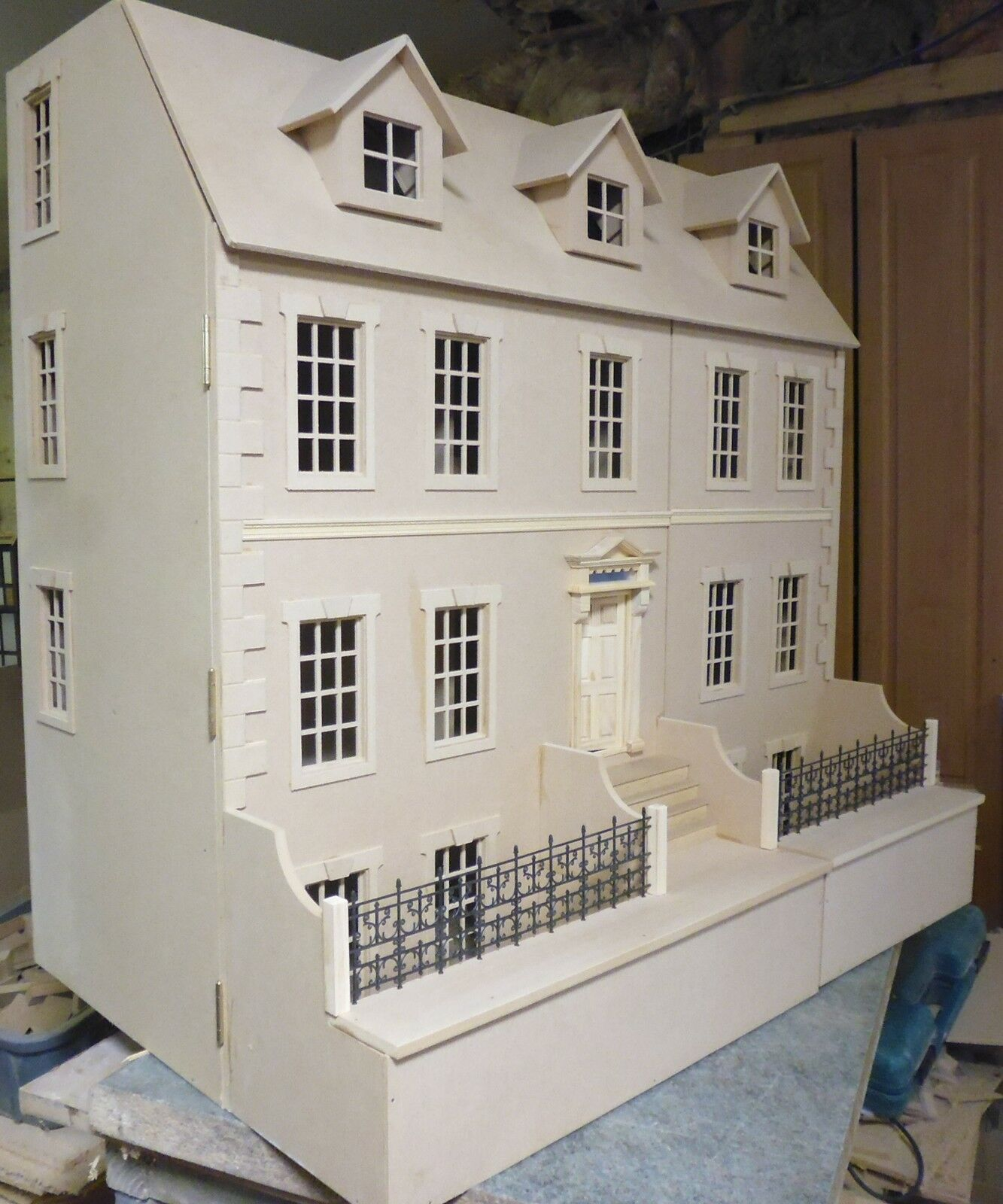 1 12 scale Dolls House Dalton House 3ft wide with Basement KIT by DHD
