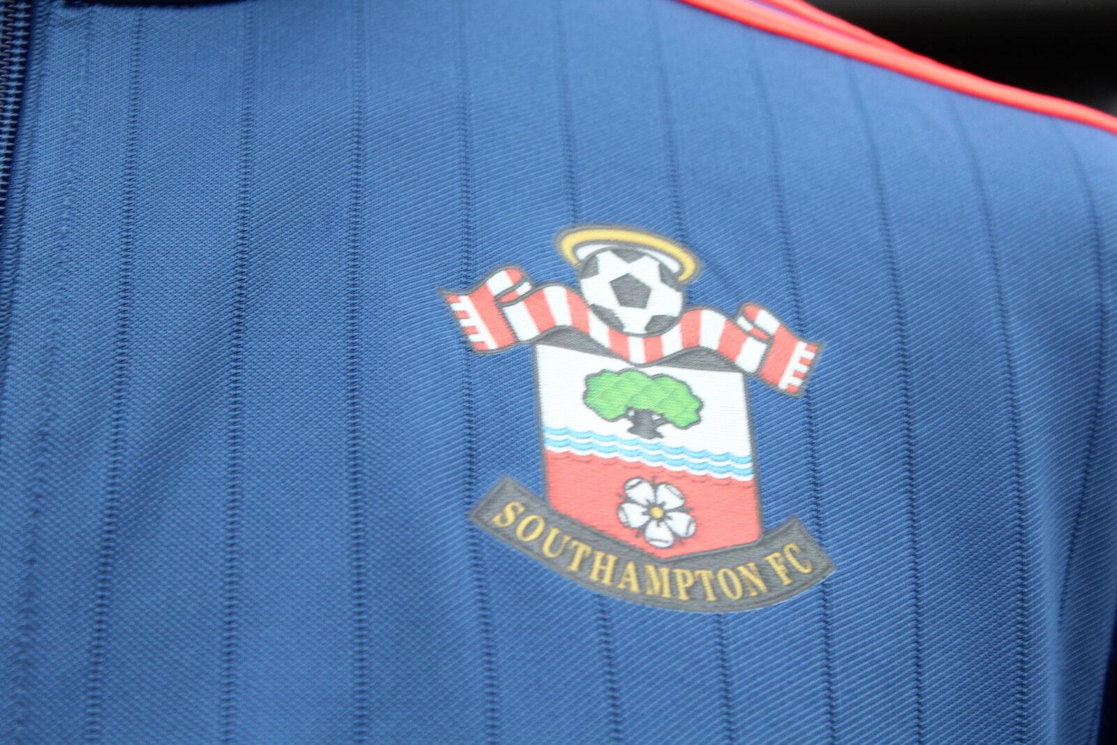 Southampton track training top club émis avec taille l neuf avec émis étiquettes!!! 7f569c
