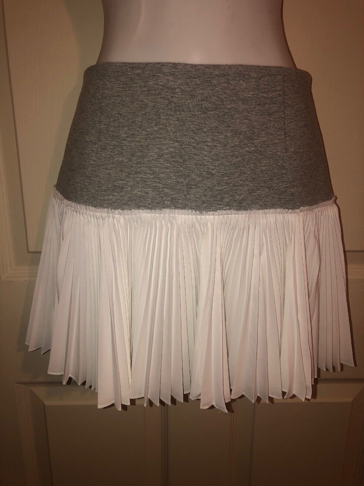 NWOT DEREK LAM 10 CROSBY Grey White Pleated Tennis Skirt Sz 0