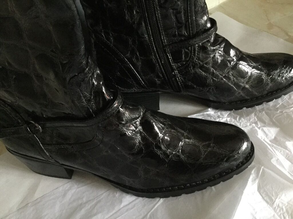 Ladies Black Leather Shiny  Moc Croc Croc Croc Long Boot Size 5 New f6a8c8