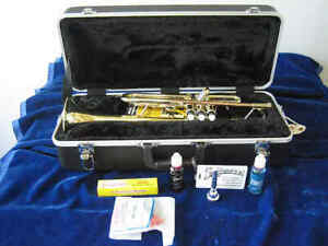 Mint Open Box Conn-Selmer Prelude TR711 Trumpet, with upgraded case, accessories