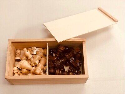 Gamez Galore In Legno Pezzi Degli Scacchi Set-mostra Il Titolo Originale Fresco In Estate E Caldo In Inverno