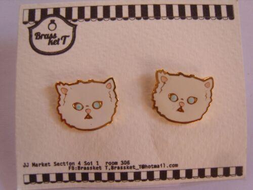 Ohrringe mit weißer Katze mit blauen Augen  süsse Katze aus Email  3079