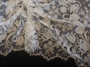 36 Wide Off White Floral Scalloped Eyelash French Lace Fabric 1267
