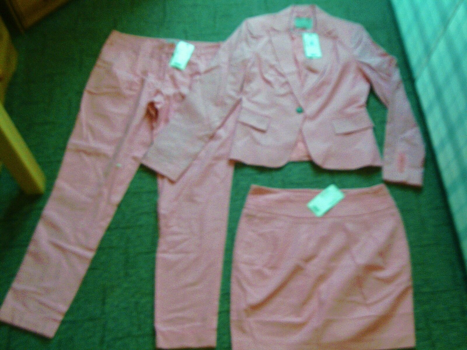3 x PIECE 55% LINEN PINK SUIT,. SIZE MAYBE 10. NWT. r.r.p