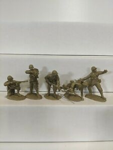 Conte-WWII-U-S-GI-039-S-Bloody-Omaha-5-Figures-Light-Tan-Color-1-32-E
