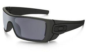 Sunglasses-Oakley-Batwolf-Matte-Black-Grey-Polarised