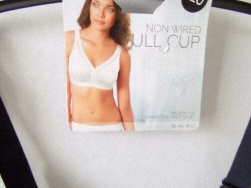 M/&S NON WIRED SMOOTH CUP Shaped for great UPLIFT