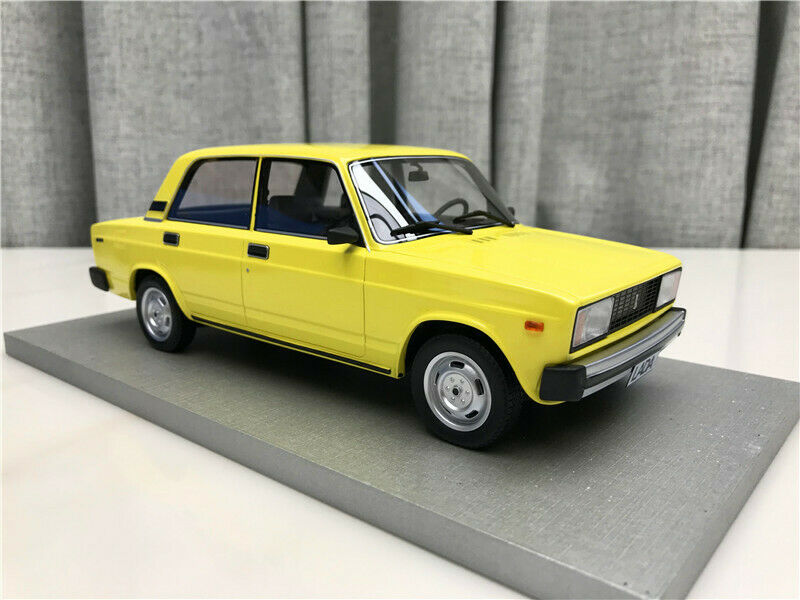 Russian Russian Russian car 1 18 Scale Lada VAZ 2105 yellow edition Car 60db78