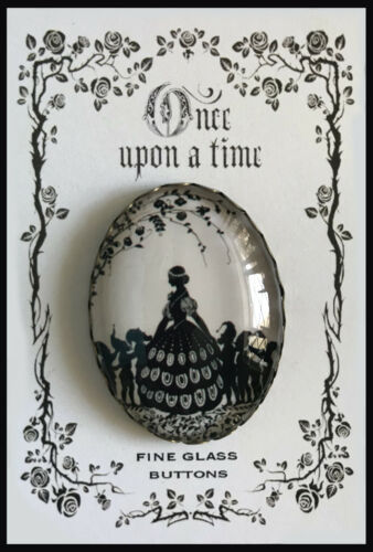 SNOW WHITE and DWARFS #1 Glass Dome OVAL BUTTON Vintage FAIRY TALE Silhouette