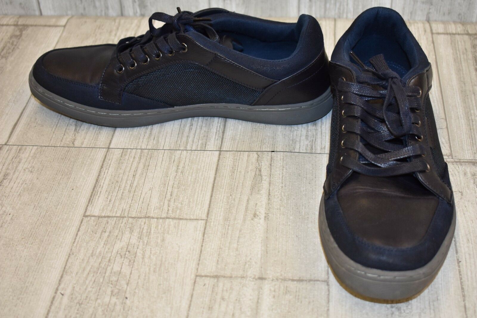 Steve Madden Gasper Sneaker - Men's Size 9.5 Dark bluee