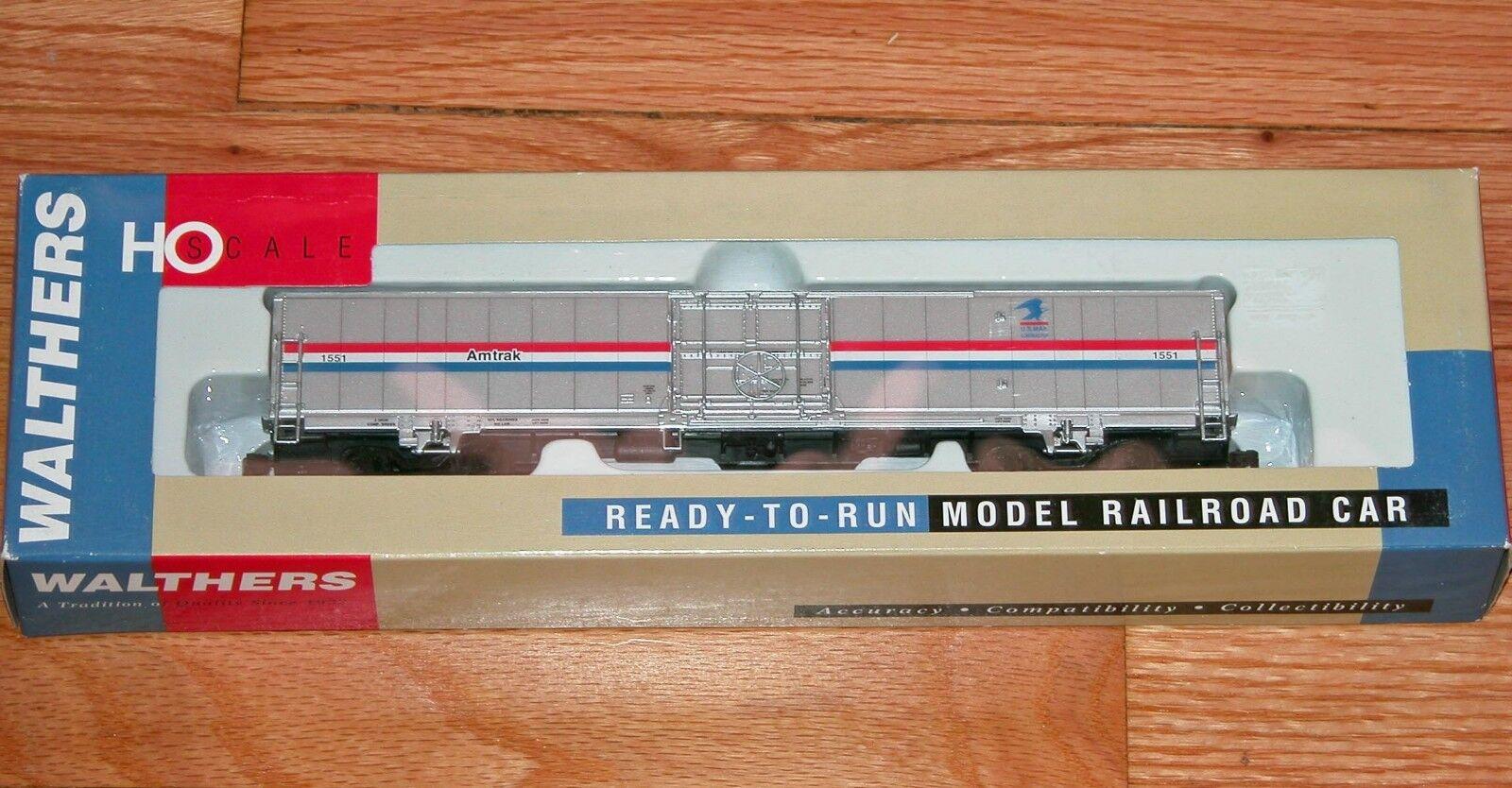 Walthers 932-6022 60' coche de manipulación de materiales Amtrak Phase 3 con emblema de correo de Estados Unidos