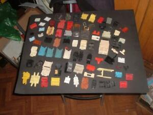 A-JOB-LOT-OF-DINKY-CORGI-MATCHBOX-ETC-SEATS-INTERIORS-STEERING-WHEELS-PARTS