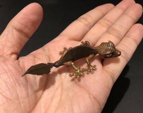 RARE Discontinued Kaiyodo Museum Q Madagascar Leaf Tailed Gecko Lizard Figure
