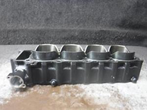 06-Yamaha-YZF-R1-Cylinder-Jugs-366